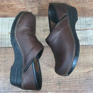 Dansko 37 Professional Oiled Brown Leather Clogs
